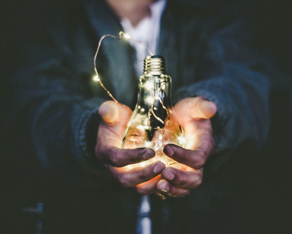 Empreendedorismo digital: descubra o jeito simples e rápido de ter um negócio on-line.